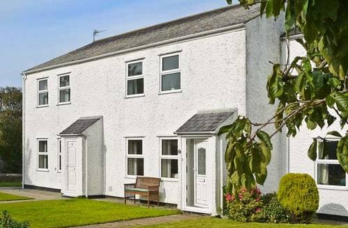 Big Cottages - Superb Moelfre Rental S5860