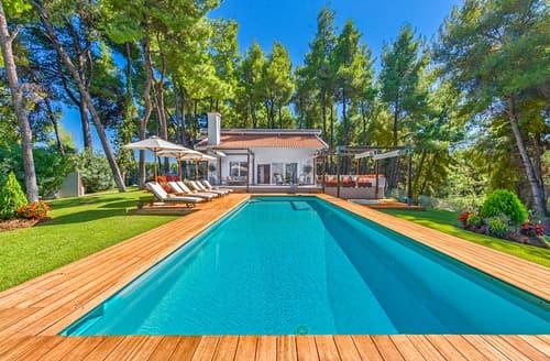 Last Minute Cottages - Villa Pinewood