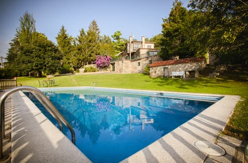 Last Minute Cottages - Villa Ramallosa