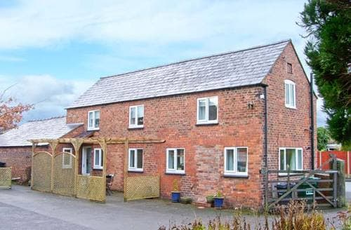 Last Minute Cottages - Beautiful Chester Cottage S5910