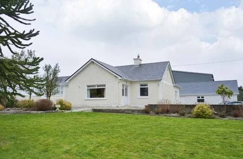 Last Minute Cottages - Cosy  House S5975