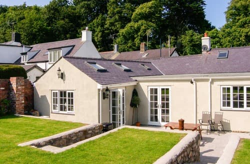 Last Minute Cottages - Tasteful Beaumaris Cottage S6095