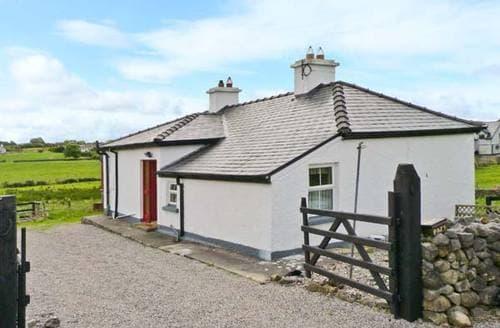 Last Minute Cottages - Beautiful  Cottage S6116