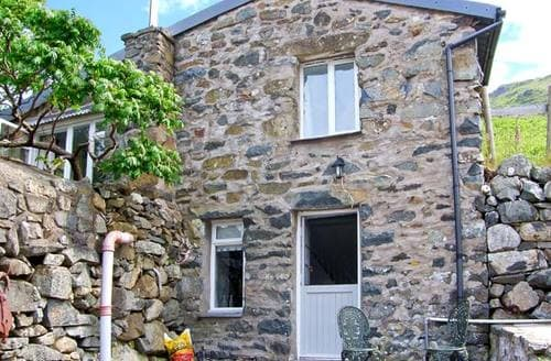 Last Minute Cottages - Delightful Arthog Dairy S6198