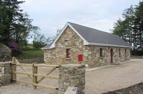 Last Minute Cottages - Adorable  Cottage S6231