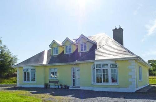 Last Minute Cottages - Charming  Bungalow S6232