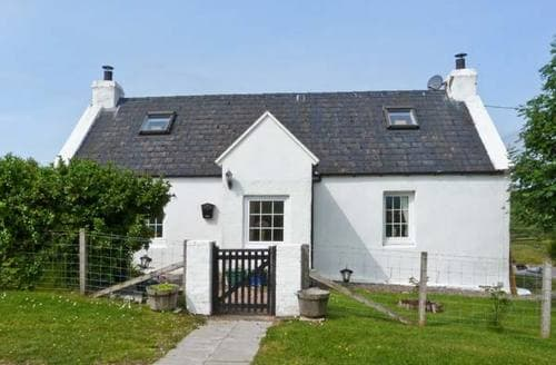 Last Minute Cottages - Excellent Portree Cottage S6241