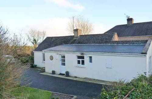 Last Minute Cottages - Cosy  Cottage S6277