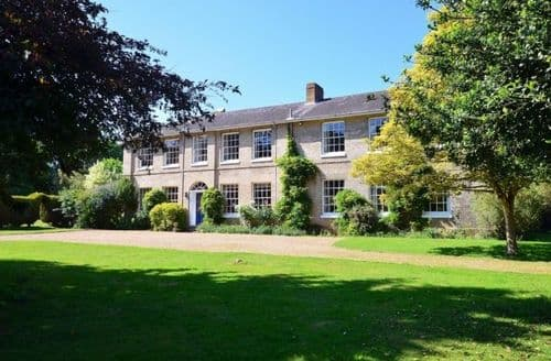 Last Minute Cottages - The Old Rectory, Ipswich