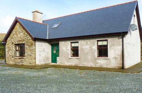 Last Minute Cottages - Beautiful  Cottage S6436