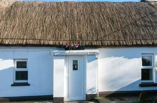 Last Minute Cottages - Whispering Willows