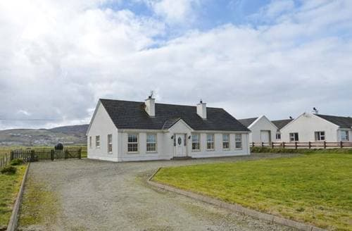 Last Minute Cottages - Exquisite  Green S6502