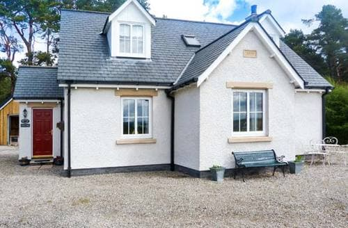 Last Minute Cottages - Adorable Carrbridge Cottage S6555