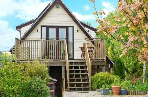 Last Minute Cottages - Cosy Blandford Forum Apartment S6608