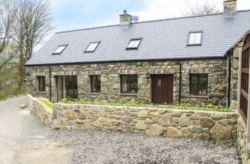 Last Minute Cottages - Wonderful Llwyngwril Cottage S6693