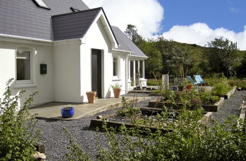 Last Minute Cottages - Blue Meadow Cottage