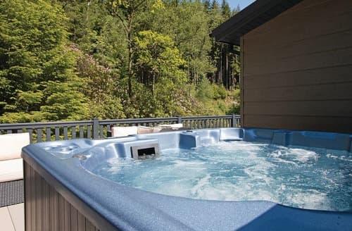 Last Minute Cottages - Platinum Albatross Spa Lodge