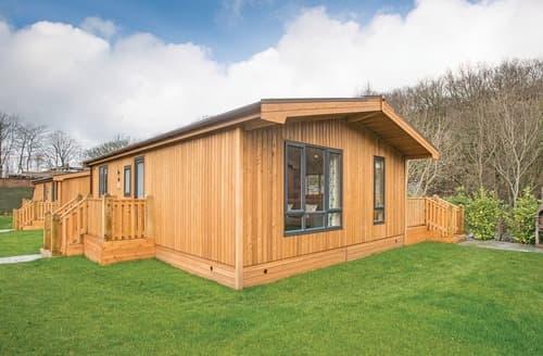 Last Minute Cottages - Dovestone Spa 6