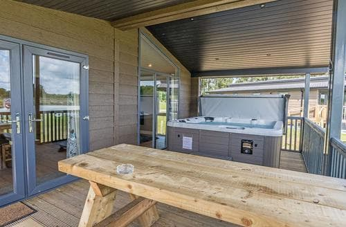 Last Minute Cottages - Lakeview 2
