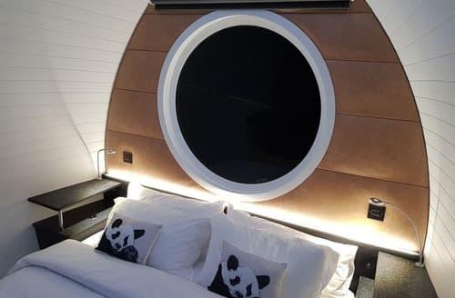 Last Minute Cottages - Luxury Woodland Pod VIP Platinum