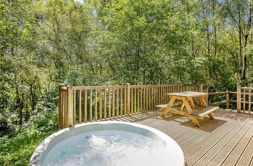 Last Minute Cottages - Squirrel Log Cabin 4