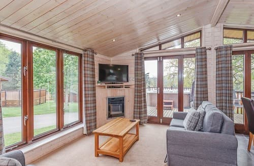 Last Minute Cottages - Tissington Classic Skyline 2 Spa