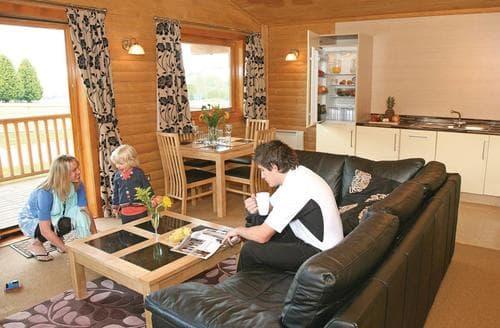 Last Minute Cottages - Fairway Lodge