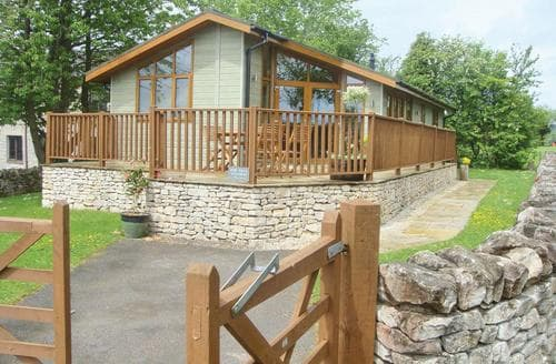 Last Minute Cottages - Ashbourne Deckhouse
