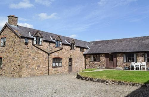Last Minute Cottages - Halford Big Barn