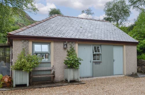 Last Minute Cottages - Cil Y Felin