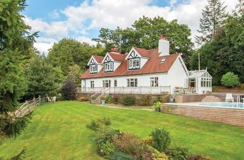 Last Minute Cottages - Newick Hill House
