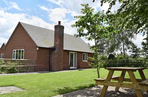 Last Minute Cottages - Hornbeam Cottage