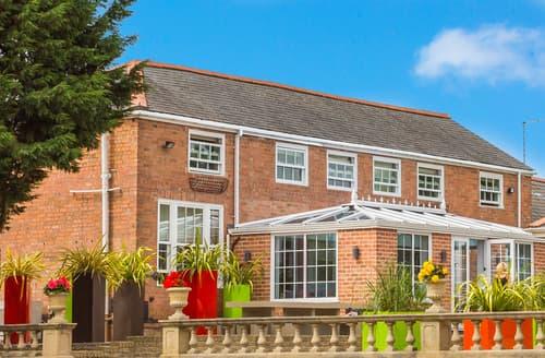 Last Minute Cottages - Lovely Belton Cottage S59578