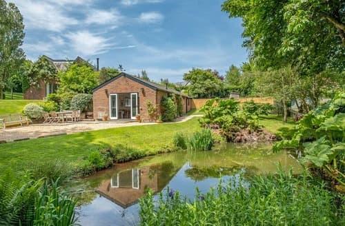 Last Minute Cottages - Pond Cottage