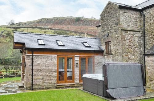 Last Minute Cottages - The Farmhouse at Gradbach