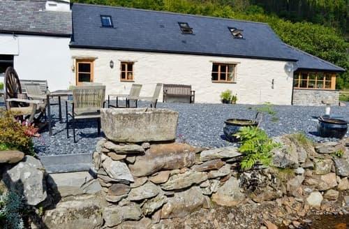 Last Minute Cottages - Swn Y Afon