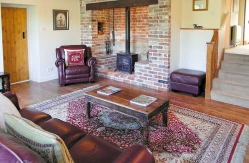 Last Minute Cottages - The Hayloft- DWS