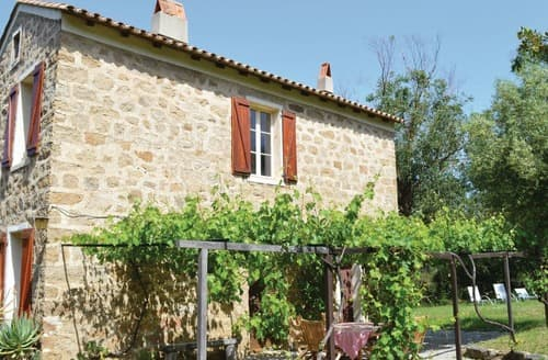Last Minute Cottages - Coti Chiavari
