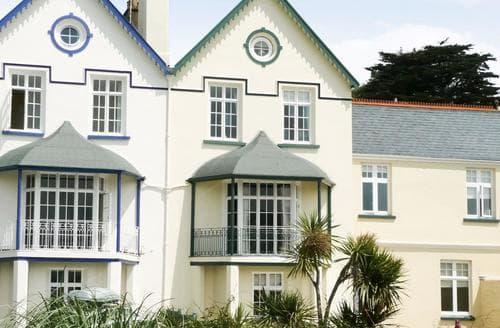 Last Minute Cottages - The Captains House