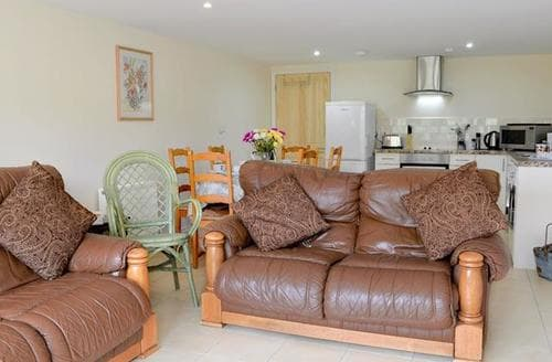 Last Minute Cottages - Loose Farm Lodge