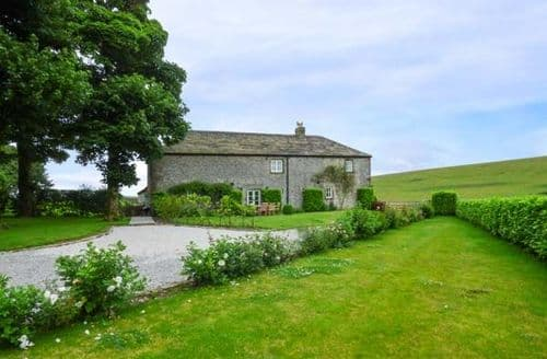 Big Cottages - Sterndale Barn