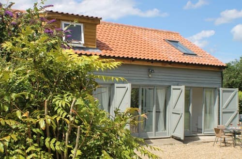 Last Minute Cottages - Butterfly Barn