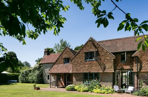 Last Minute Cottages - Brockwood Farmhouse and Dairy Annexe
