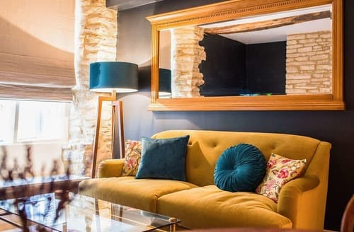 Last Minute Cottages - Cirencester Place