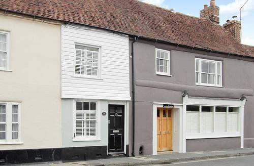Last Minute Cottages - Chalk Cottage