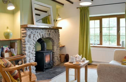 Last Minute Cottages - Bryn Heulog