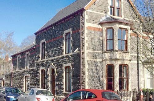 Last Minute Cottages - City Break Cardiff