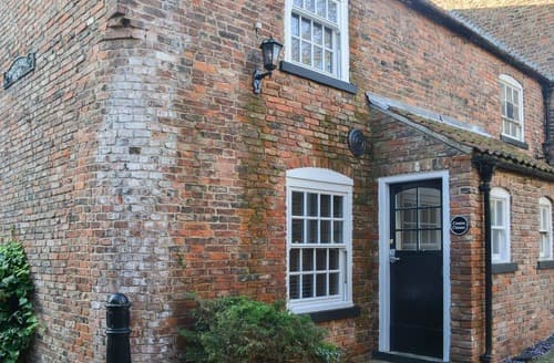 Last Minute Cottages - Curates Clouster - UKC3813