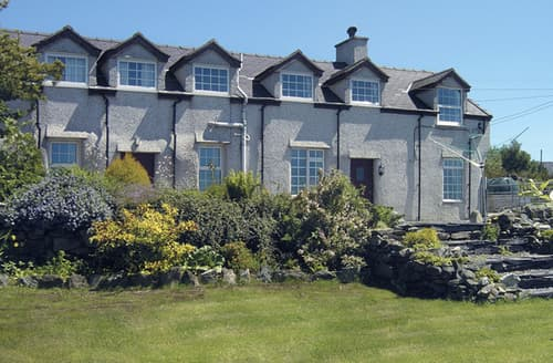 Last Minute Cottages - Glan y Gors