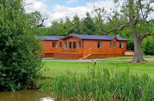Last Minute Cottages - Oak Lodge